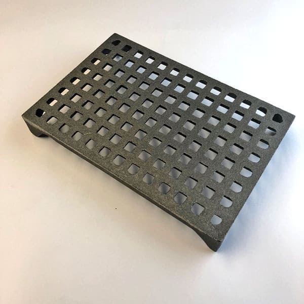 GRID6 - grid pattern 9x6 cast iron air brick bare metal