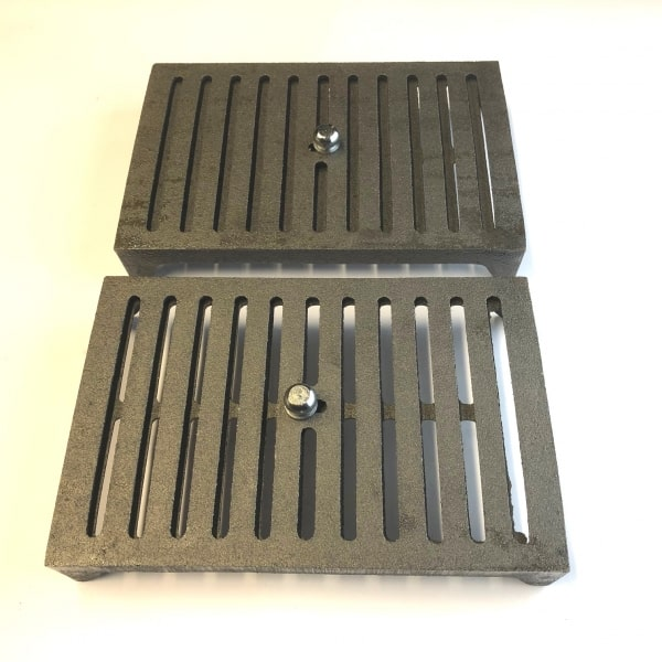 HM6 - hit and miss comparison showing open and closed positions 9x6 cast iron air brick oiled bare metal