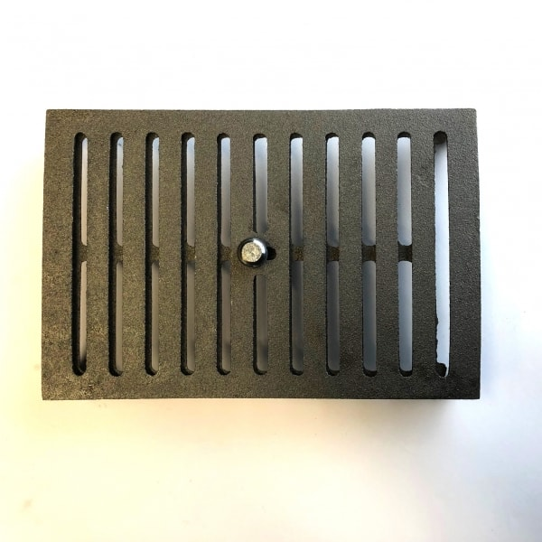 HM6 - hit and miss open and close 9x6 cast iron air brick oiled bare metal