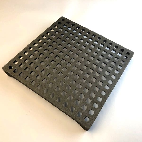 GRID9 - grid pattern 9x9 cast iron air brick - bare metal