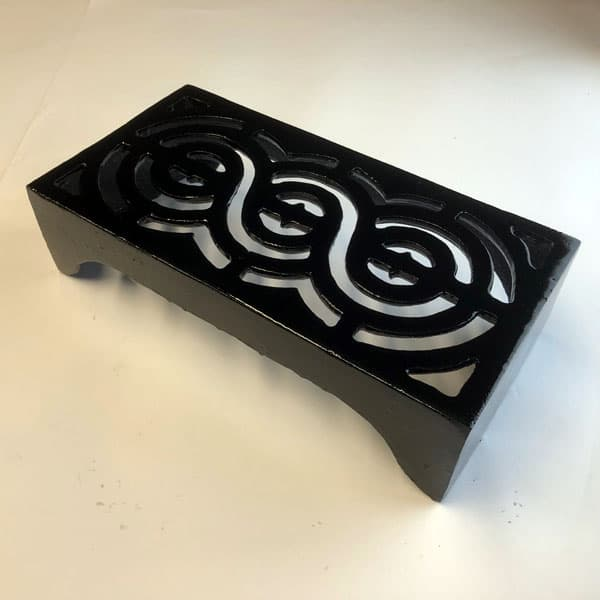 REG12 - Regency Scroll 12x6 cast iron air brick painted black
