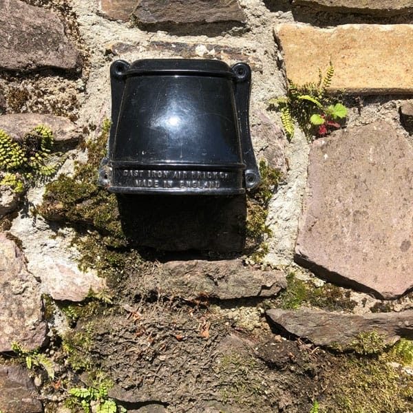 Cast iron cowled conservation air vent 12