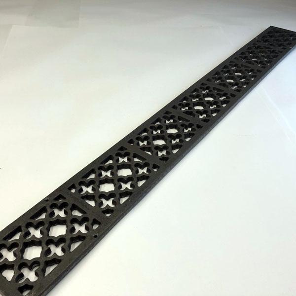 Item Q1000 - 995mm quatrefoil cast iron channel gratings bare metal without channel